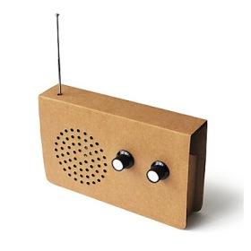 Radio de cartón